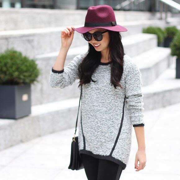 Lou & Grey Sweaters - PRICE DROP‼️ Black and Grey Sweater