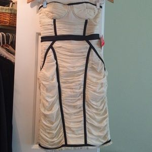 Off White / Black Detailed Formal/Cocktail Dress