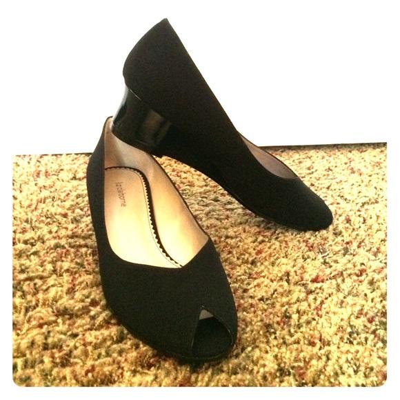93 liz claiborne shoes black wedges from