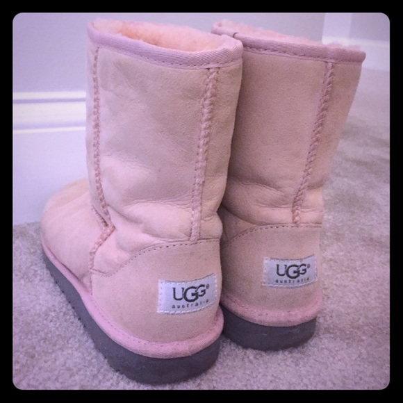 Women's Light Pink Short Uggs