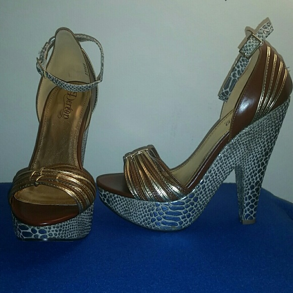 75 Off Dereon Shoes Beyonce Dereon High Wedges From