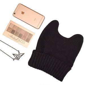 Accessories - 💐HP!💐 Knit Cat Ear Hat