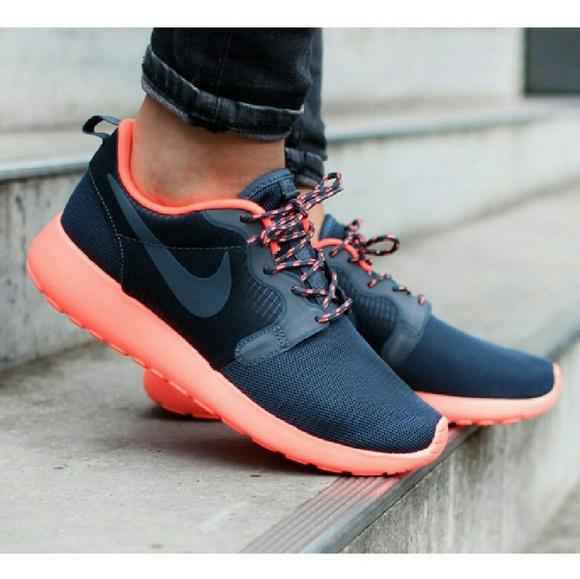 sneakers for cheap 58834 62e9d NIKE Women s HYPERFUSE Roshe Run Blue Orange. M 5663f56c729a663f6200e7b2