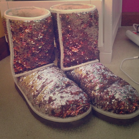 UGG Classic Sparkle Boots Size 10 Champagne Color
