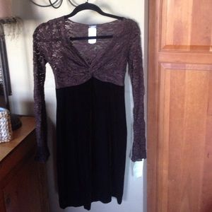 *NWT* Muse. Velvet and Lace Dress