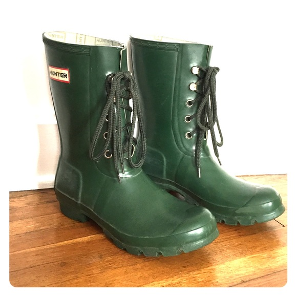 be04cec7b2f Hunter short green lace up boots size 7