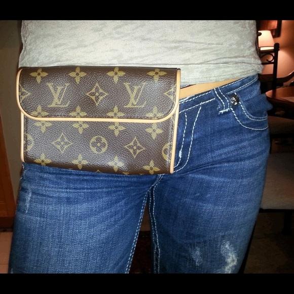 8c4b46c548cf Louis Vuitton Handbags - Louis Vuitton fanny pack with belt size s