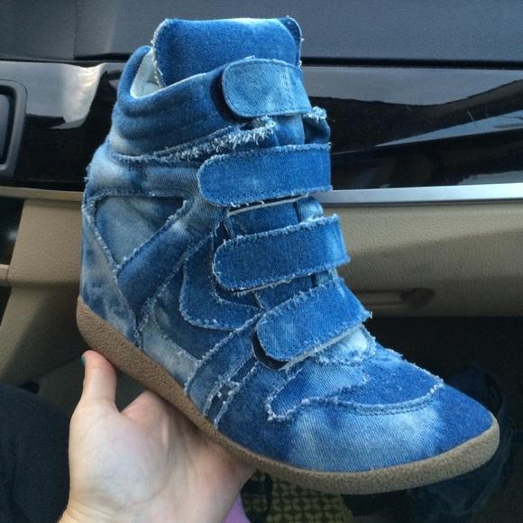 7338fc7f71d Steve Madden Denim Sneaker Wedges. M 5664b50ac6c7952fe4003c13