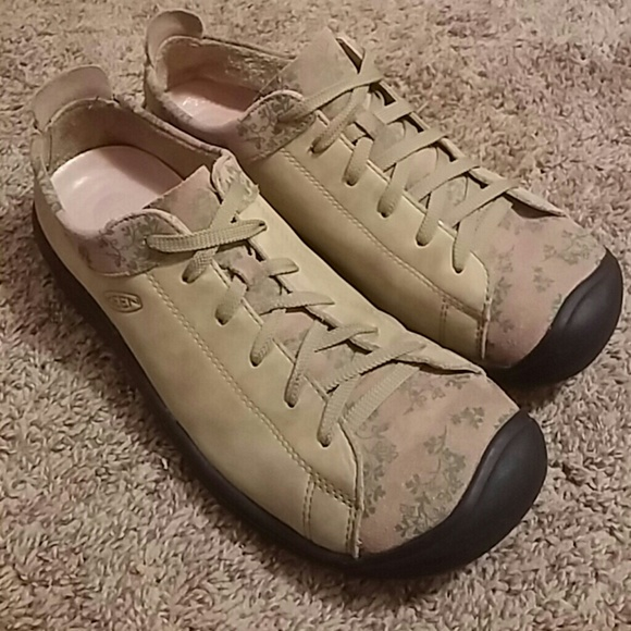 279347e023b1 Keen Shoes - Excellent KEEN Leather 10 Green Floral Shoes