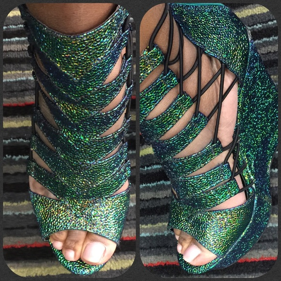 d3c137a6f59 Emerald green wedges worn once