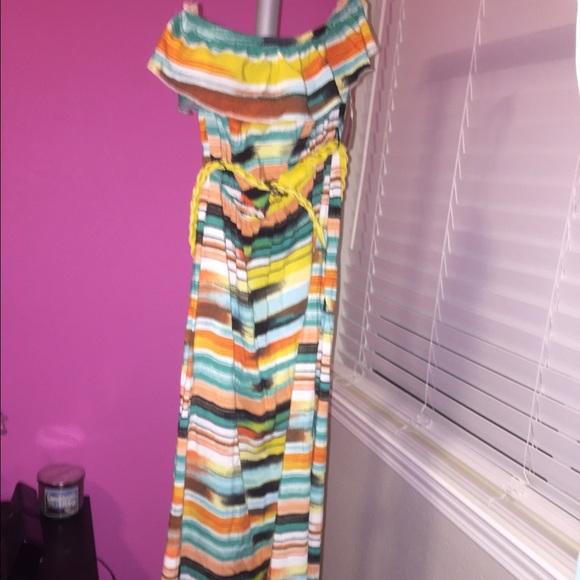 0efab7b0157 Macy s summer maxi dress. NWT