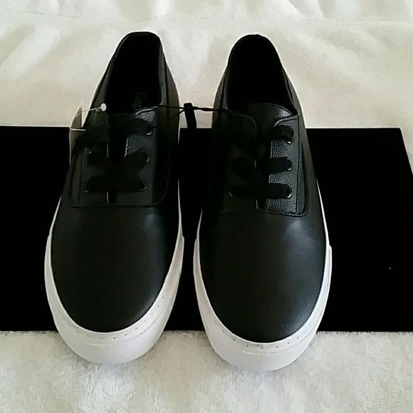 Gap Black leather sneakers 428523b6d7ea