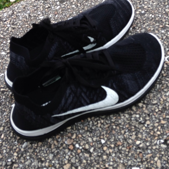 huge discount f3d45 af8a5 Nike free flyknit 4.0 nike Id running sneakers 8.5.  M 5665d8ea6a5830a238001ce4