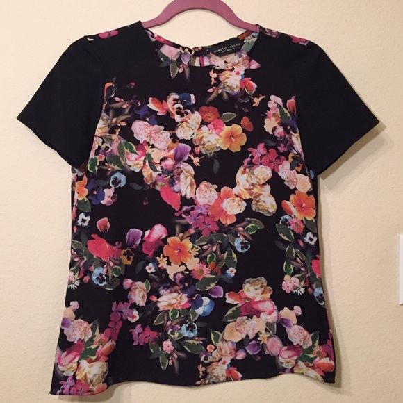 Dorothy Perkins Tops - Dorothy Perkins Black Floral Top Size 4
