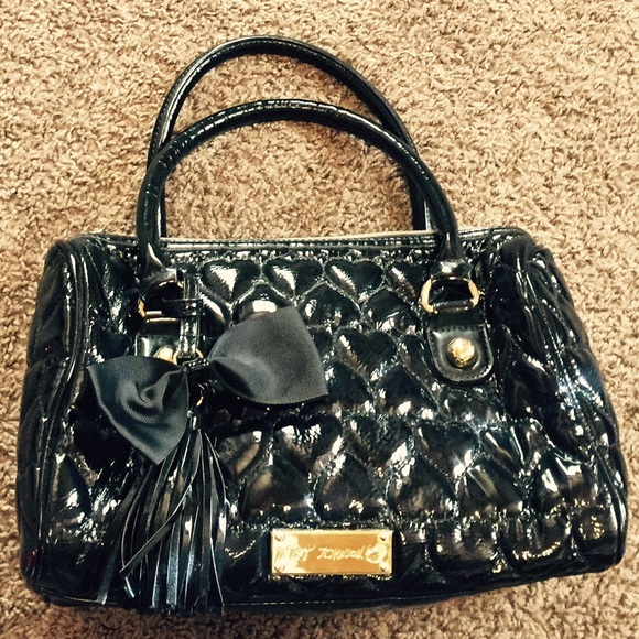 Betsey Johnson Bags - Betsey Johnson heart quilted purse