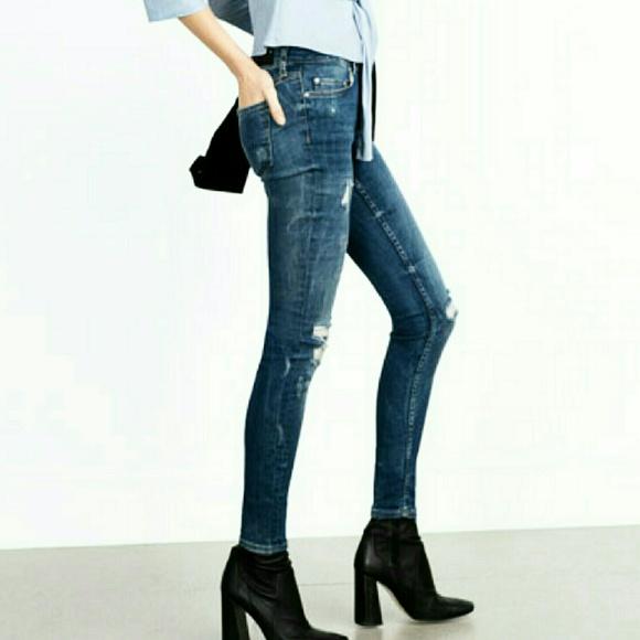 4586a101 Zara Woman Slim Fit Cropped Skinny Jeans. M_566605c1a88e7d07df0037a6
