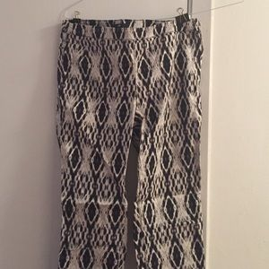 H&M Pants - Black and white diamond pattern pants