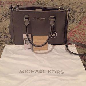 Michael Kors Bags - Michael Kors Sutton Pearl Grey