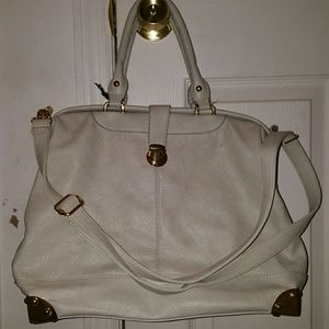 Handbags - White shoulder strapped trendy hang bag