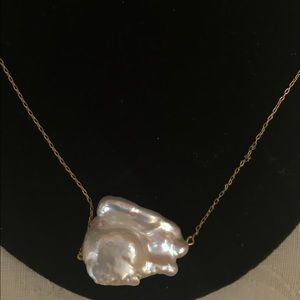 Pearl gold necklace! Trendy!