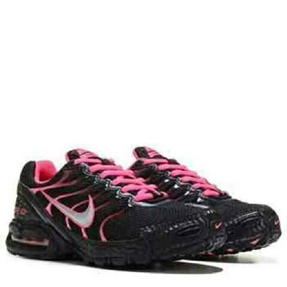 Nike Women s Black  Hot Pink Air Max Torch 4. M 56664f3d15c8af089501f5f2 4be8defe1