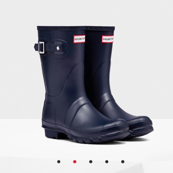 39% off Hunter Shoes - ISO - Hunter Original Short Rain Boots Navy ...