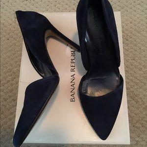 Banana Republic Shoes - ⚡️FINAL SALE⚡️Banana Republic Navy Adelia heel