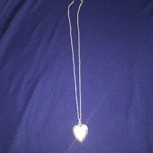 Jewelry - Silver locket chain