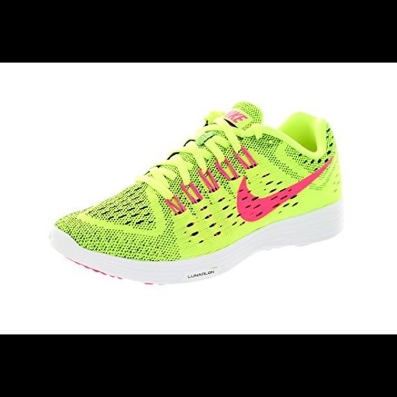 official photos 787dd 13a82 Nike lunartempo running shoe. Size 7. Neon
