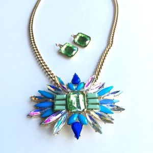 NEW! Crystal blue & green statement necklace