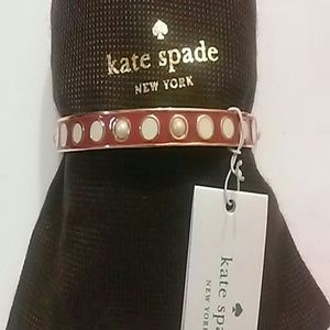 Kate Spade Idiom Bangle. Dynstyrd