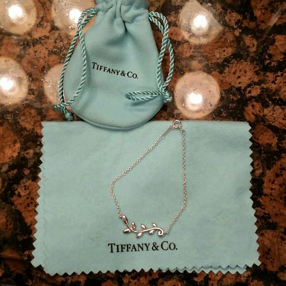 4850c0faa Tiffany & Co. Jewelry | New Paloma Picasso Olive Leaf Vine Bracelet ...