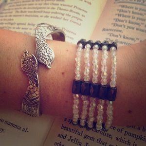 Jewelry - FINAL SALE Magnetic bracelet/necklace