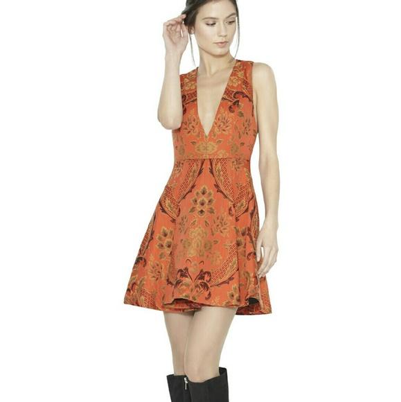 2bef67e1f79 Alice   Olivia -Mollie Box Pleat VNeck Flare Dress
