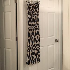 Black and cream print strapless maxi dress!