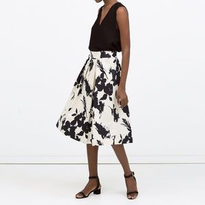 Zara Dresses & Skirts - Zara Printed Pleated Full Skirt