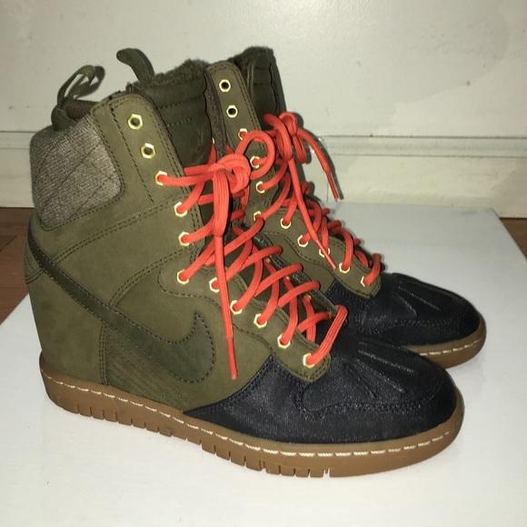 buy online c8f5c 24464 Nike Dunk Sky Hi Sneakerboot. M 5667b3446d64bc431902955b