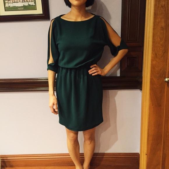 db74c4eb Zara dark green slit sleeve dress. M_5667bbfbf09282bc48029a80