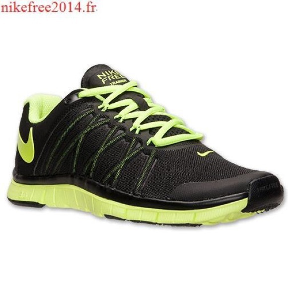 Black and neon yellow Nike Free Trainer 3.0