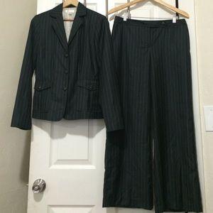 Isaac Mizrahi Other - Pinstripe pants suit