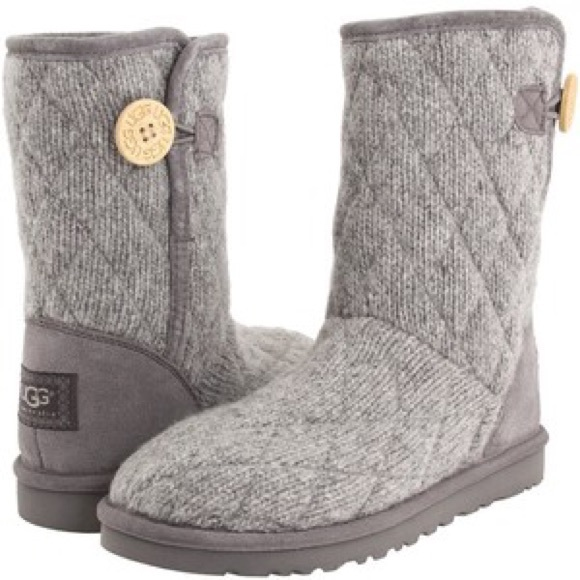 UGGS Mountain Quilted Seal Grey Boots!