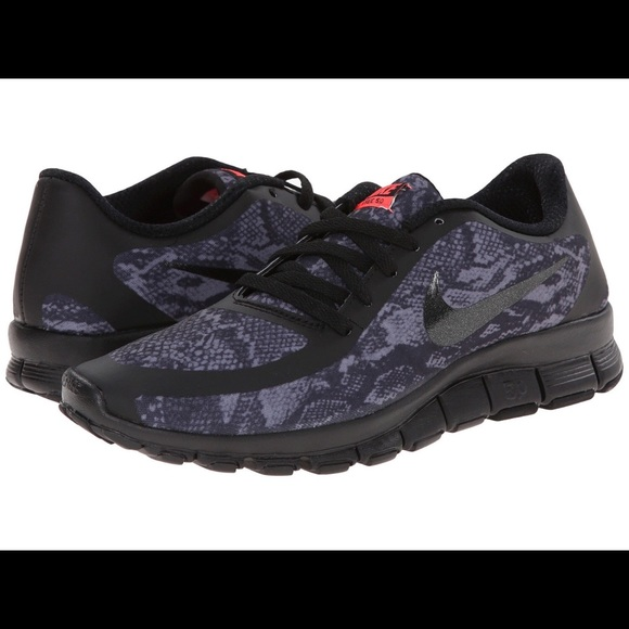 0a49b3fa390a Nike Free 5.0 V4 Snakeskin Print Shoes. M 5668798d7e7ef608c302cac4