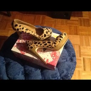 Chinese Laundry Shoes - Chinese laundry platform leopard pump size 9 1/2!