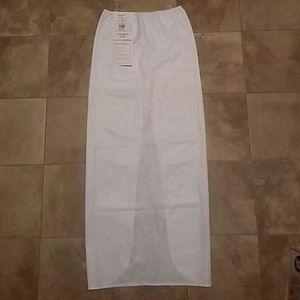 cb6f02e855 David s Bridal Intimates   Sleepwear - SMALL White DAVIDS BRIDAL Tulip  Shape Control Slip