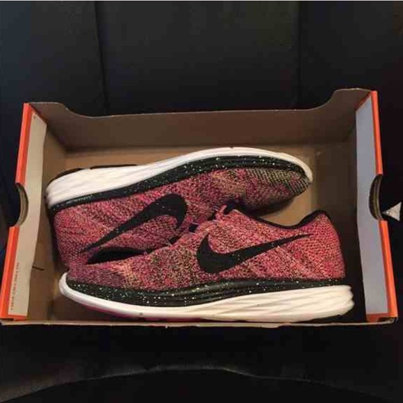 uk availability da6cf f2341 ... inexpensive nike lunarlon women purple nike red flyknit a8fde 1fb89