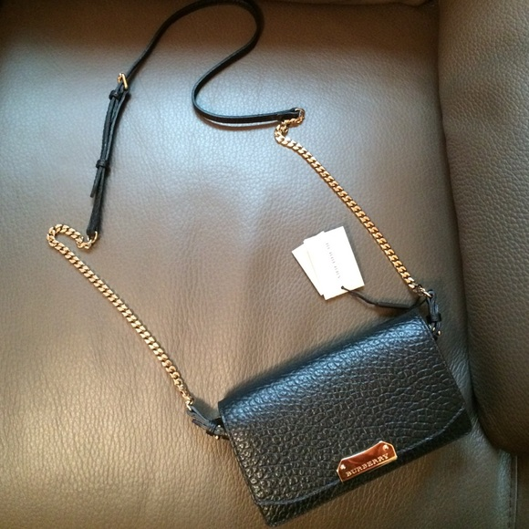 48673d5afe79 Burberry Wallet on Chain