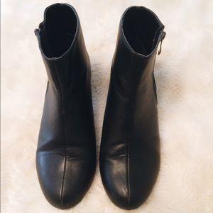 Tobi Shoes - Tobi Short Black Boots with Mirror Heel