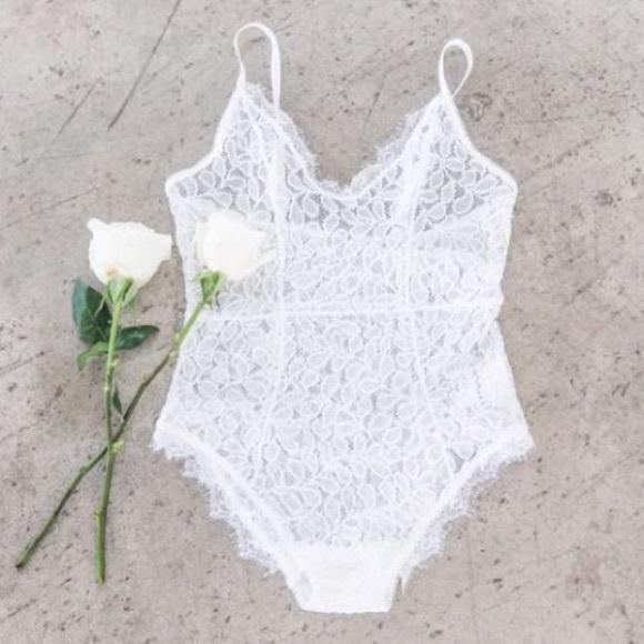 59009a5e61b3c BNWT Anine Bing lace bodysuit sz M white