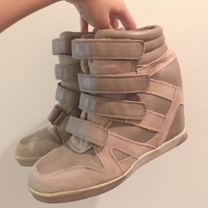 BDG wedged taupe nude gray sneakers