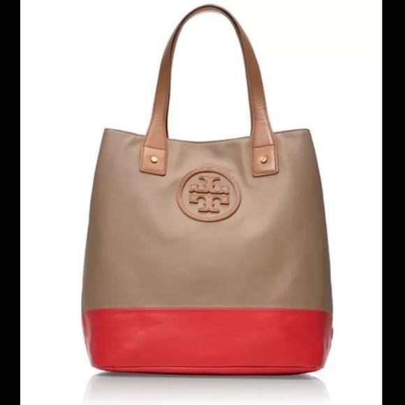 43fec55e9b4c Tory Burch Color-block Michelle Tote. M 5669d50301985ebf9f00ecab